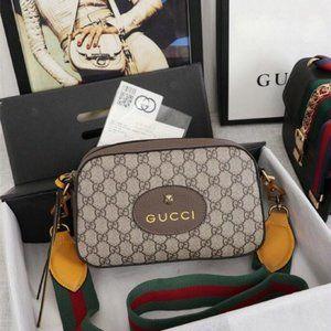NWT  Neo Vintage GG Supreme Messenger Bag